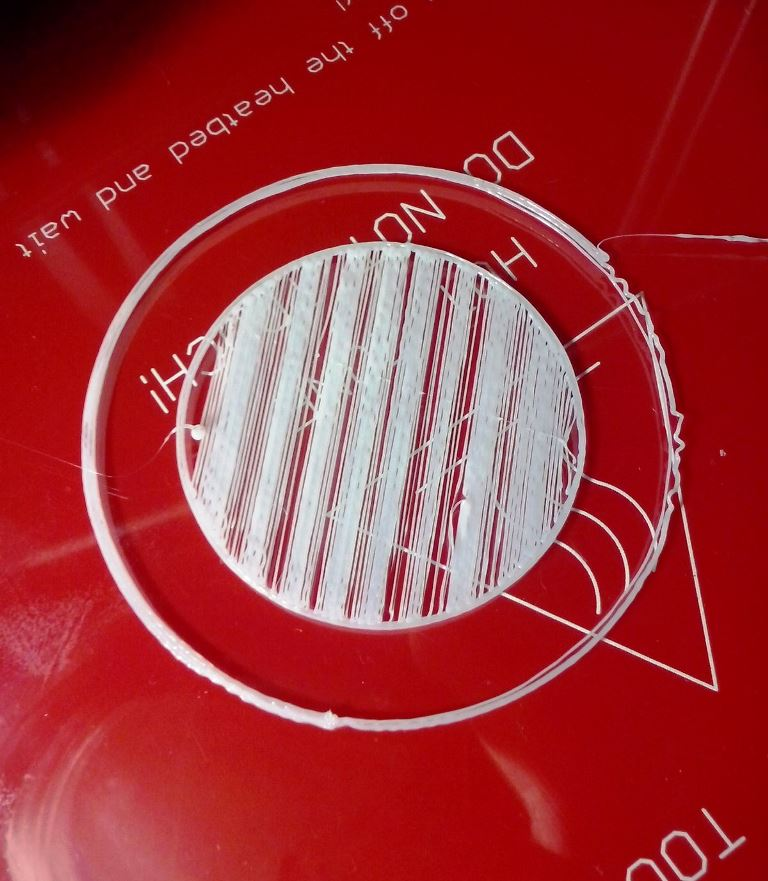 نشان دادن نچسبیدن لایه اول به صفحه چاپ پرینت سه بعدی